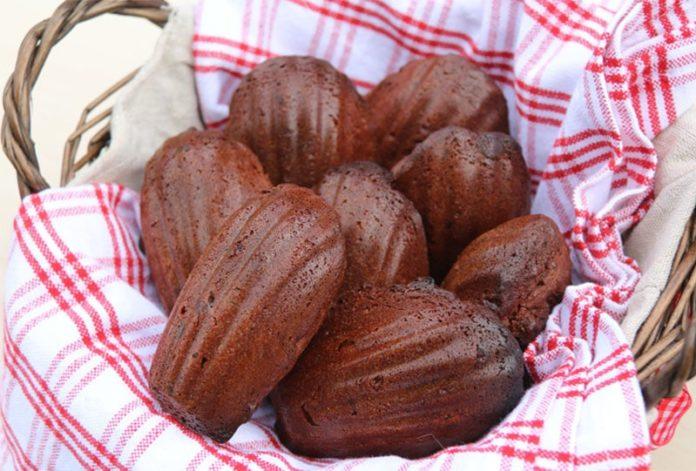 Madeleines au chocolat et aux noix
