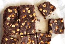 Brownie sans cuisson aux noisettes