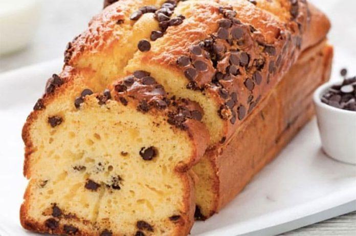 Cake au Yaourt et Pépites de Chocolat